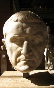 1200px-Marcus_Licinius_Crassus_Louvre