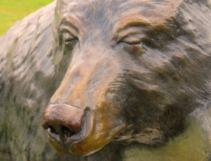 bear-sculpture-1493658_960_720