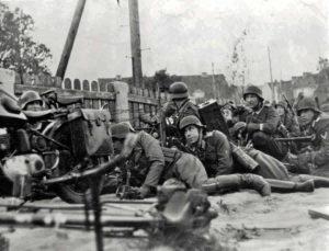 german soldiers fighting french troops in Sedan 1940