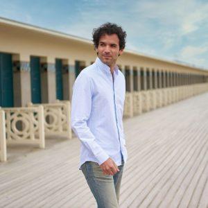 chemise-col-mao-a-rayures-bleu-ciel